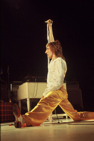 Rod Stewart Doing the Splits - James Fortune