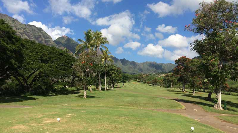 Makaha 10 hole and the incredible mountains in the back