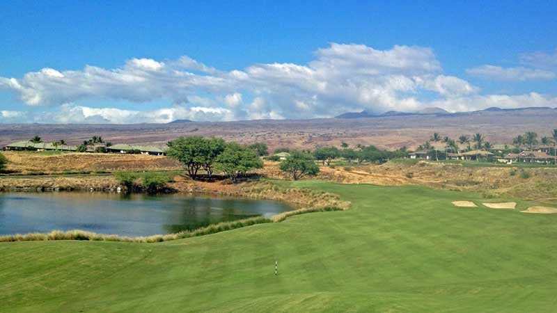 Beautiful 3rd hole at Hapuna Golf Course in Hawaii