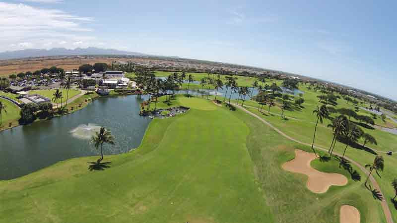 The beautiful 9th hole, its not long but lots of water to the left