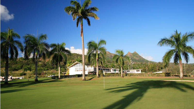 Olomana Golf Club House and 18th green