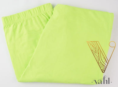 Misses Solid Green Leggings : Neon Green | VAHL