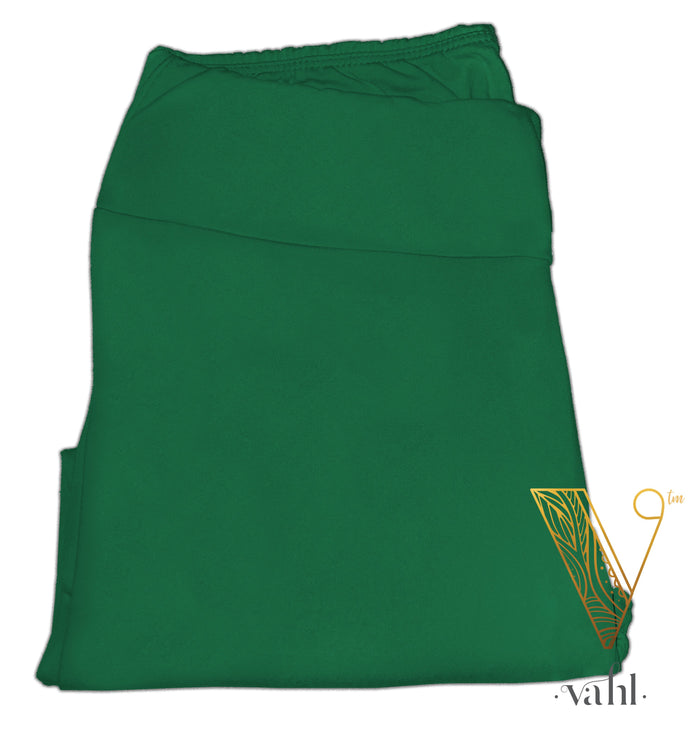 Plus Solid Green Leggings - Capri Yoga Band : Kelly Green