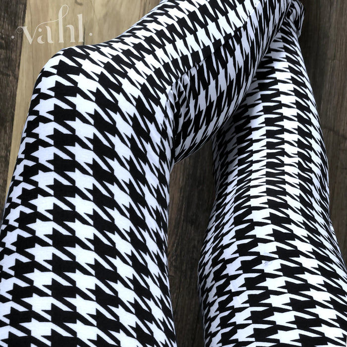 Plus Houndstooth Leggings : White Houndstooth