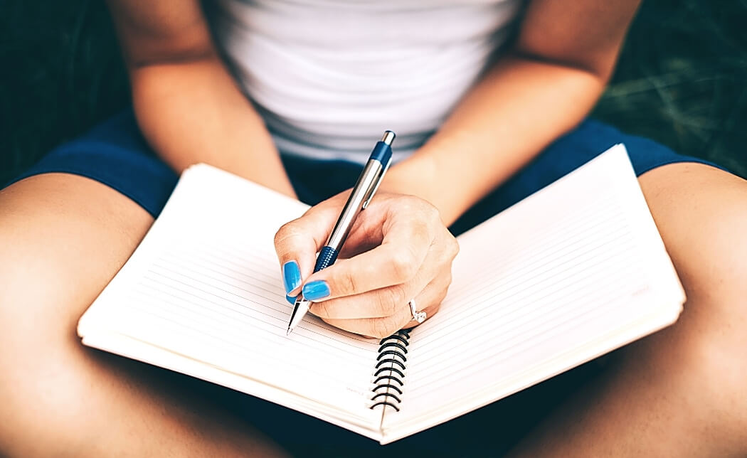 What are the benefits of journaling? by Loving Essential Oils