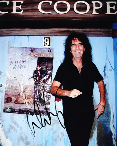 ALICE COOPER SIGNED 8X10 PHOTO
