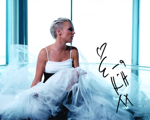 EMMA HEWITT SIGNED 8X10 PHOTO