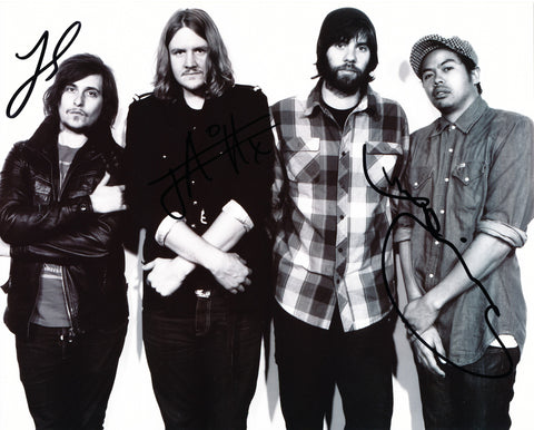 THE TEMPER TRAP SIGNED 8X10 PHOTO 4