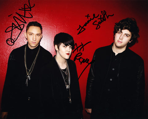 THE XX SIGNED 8X10 PHOTO