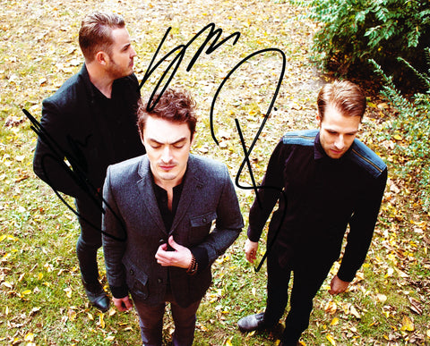 CIVIL TWILIGHT SIGNED 8X10 PHOTO 2