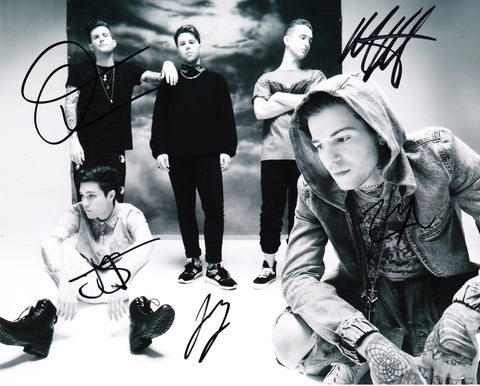 THE NEIGHBOURHOOD SIGNED 8X10 PHOTO