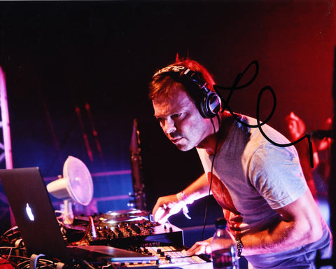 PETE TONG SIGNED 8X10 PHOTO 15