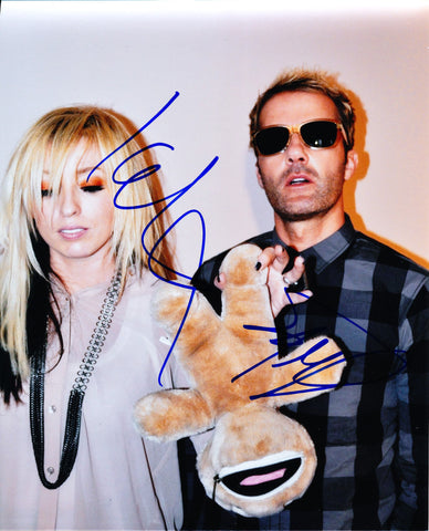 THE TING TINGS SIGNED 8X10 PHOTO