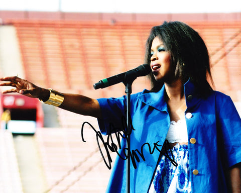 LAURYN HILL SIGNED THE FUGEES 8X10 PHOTO 2