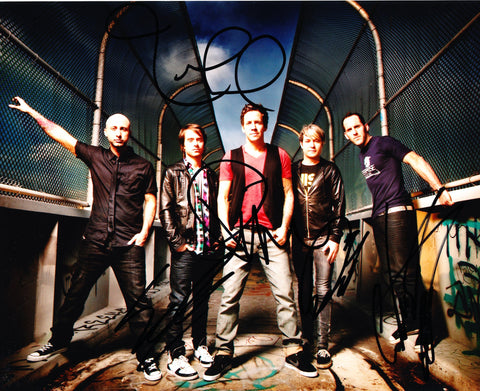 SIMPLE PLAN SIGNED 8X10 PHOTO 3