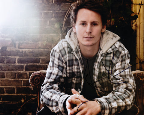BEN HOWARD SIGNED 8X10 PHOTO