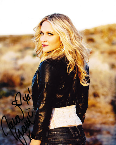 TARA ORAM SIGNED 8X10 PHOTO