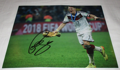 BASTIAN SCHWEINSTEIGER SIGNED GERMANY WORLD CUP 2014 11X14 PHOTO
