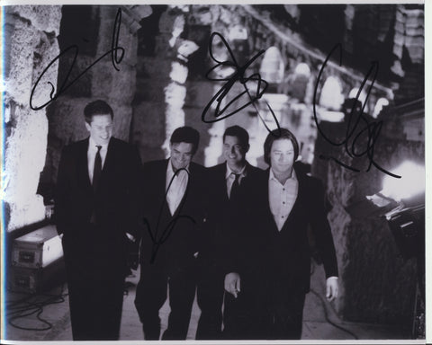 IL DIVO SIGNED 8X10 PHOTO 2