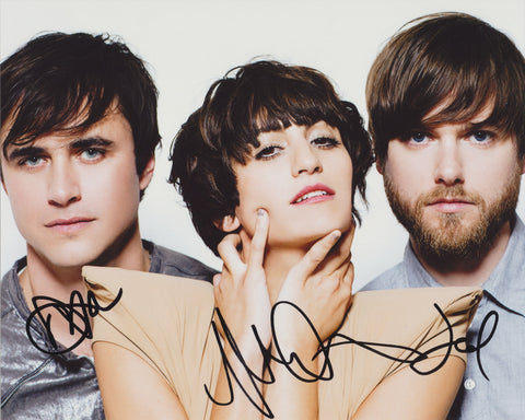 DRAGONETTE SIGNED 8X10 PHOTO