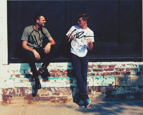 THE CHAINSMOKERS SIGNED 8X10 PHOTO 2