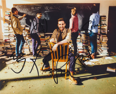 KAISER CHIEFS SIGNED 8X10 PHOTO 2