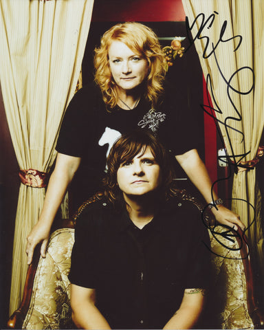 INDIGO GIRLS SIGNED 8X10 PHOTO 2