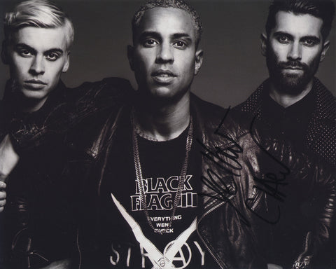 YELLOW CLAW SIGNED 8X10 PHOTO 2