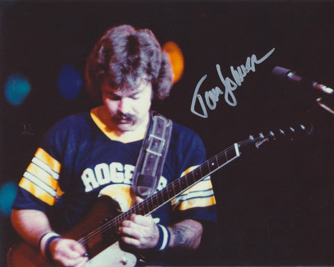 TOM JOHNSTON SIGNED THE DOOBIE BROTHERS 8X10 PHOTO