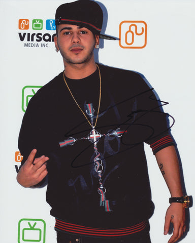 DANNY FERNANDES SIGNED 8X10 PHOTO