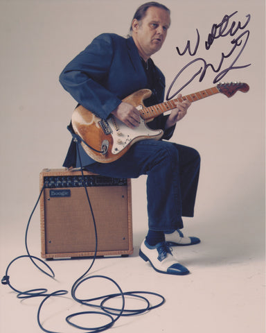 WALTER TROUT SIGNED 8X10 PHOTO