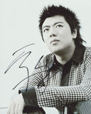 LANG LANG SIGNED 8X10 PHOTO