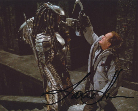LANCE HENRIKSEN SIGNED ALIEN VS PREDATOR 8X10 PHOTO