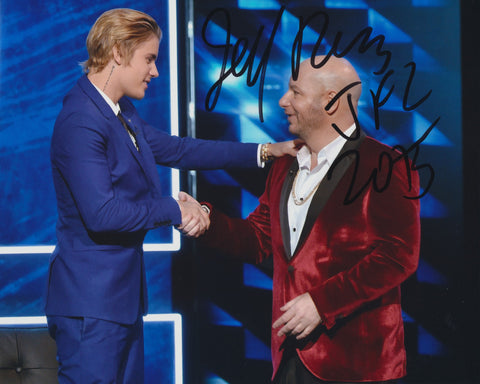 JEFFREY ROSS SIGNED THE ROAST OF JUSTIN BIEBER 8X10 PHOTO