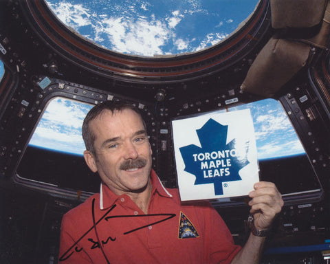ASTRONAUT CHRIS HADFIELD SIGNED 8X10 PHOTO