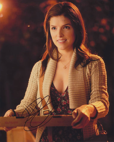 ANNA KENDRICK SIGNED 50/50 8X10 PHOTO