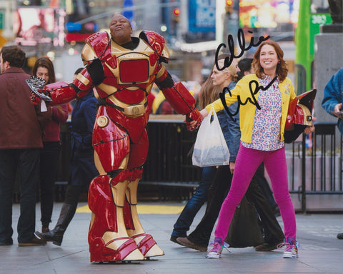 ELLIE KEMPER SIGNED UNBREAKABLE KIMMY SCHMIDT 8X10 PHOTO 2