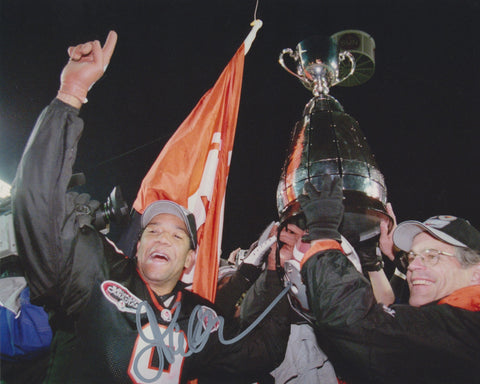 DAMON ALLEN SIGNED BC LIONS 8X10 PHOTO