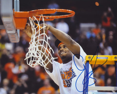 C.J. FAIR SIGNED SYRACUSE ORANGE 8X10 PHOTO