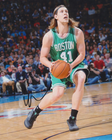 KELLY OLYNYK SIGNED BOSTON CELTICS 8X10 PHOTO