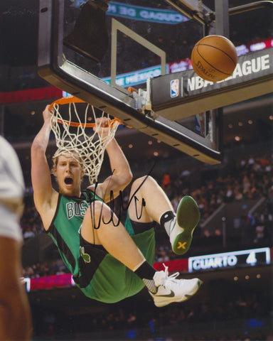 KELLY OLYNYK SIGNED BOSTON CELTICS 8X10 PHOTO 2