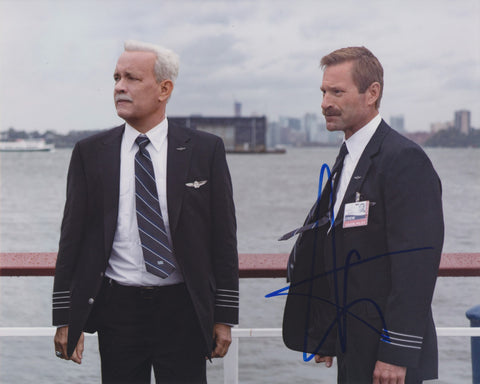 AARON ECKHART SIGNED SULLY 8X10 PHOTO