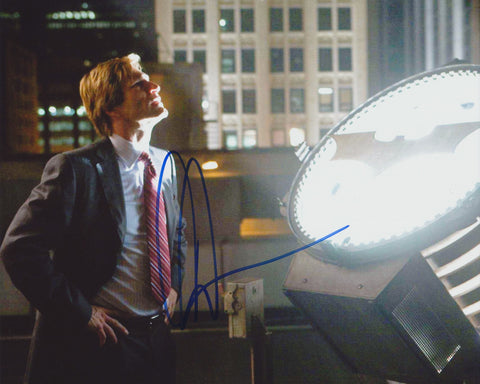 AARON ECKHART SIGNED BATMAN THE DARK KNIGHT 8X10 PHOTO