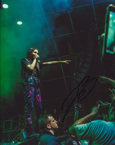 070 SHAKE SIGNED 8X10 PHOTO DANIELLE BALBUENA 5