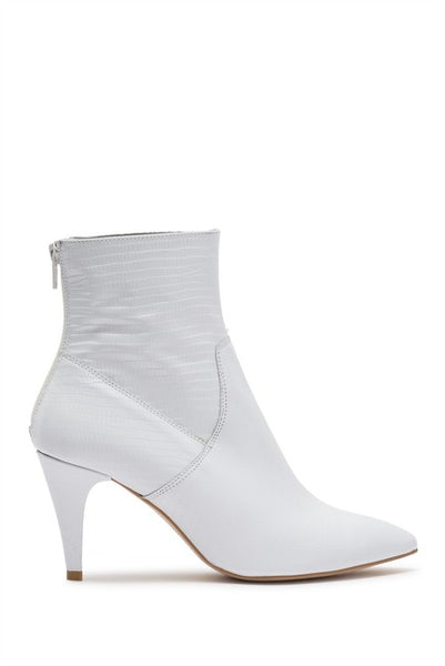 FREE PEOPLE WHITE LEATHER BOOTIE - 8586