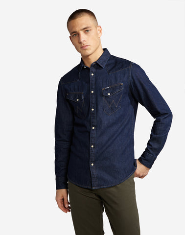 WRANGLER RINSE DENIM BUTTON DOWN SHIRT - 8586