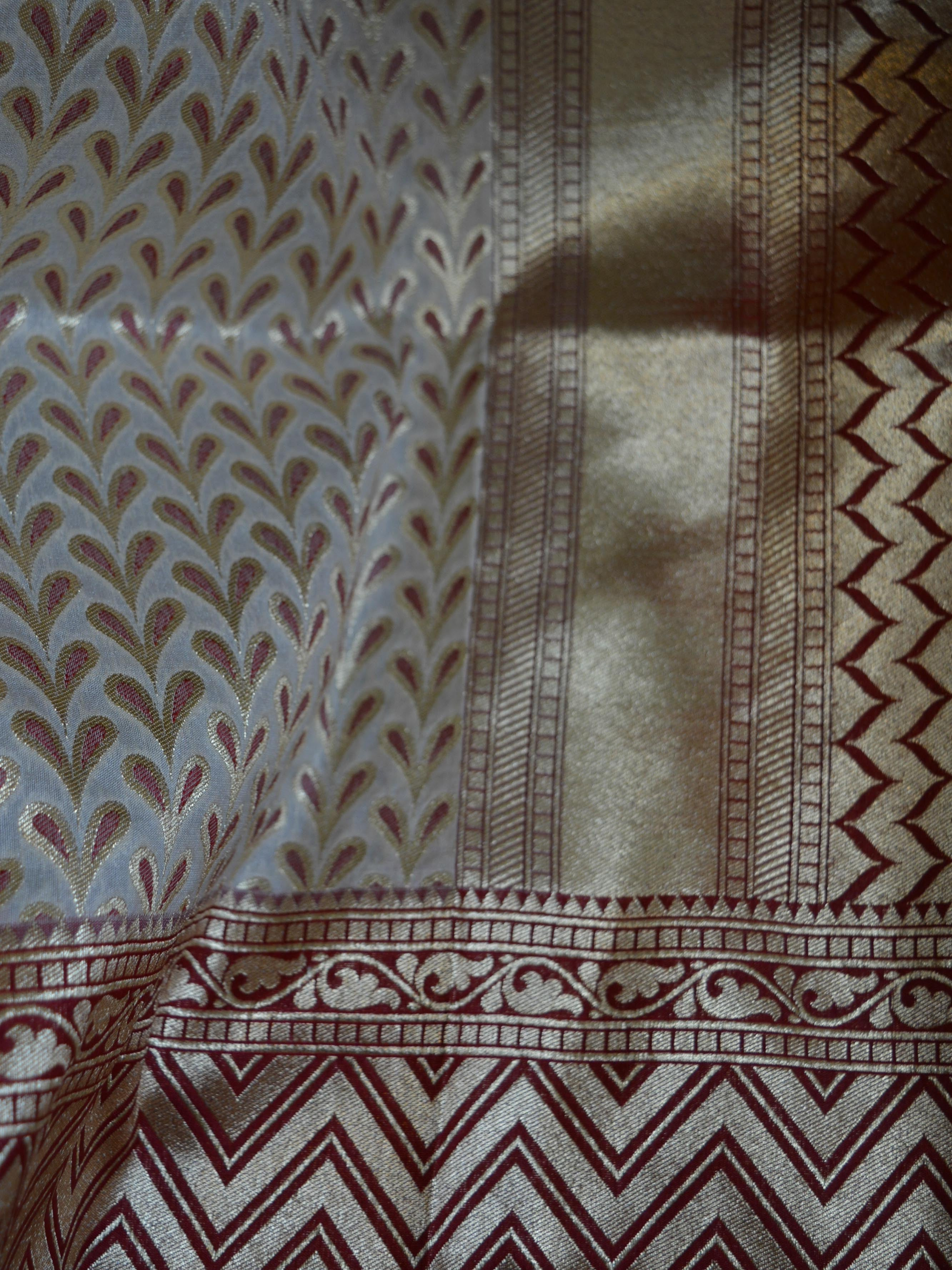 Banarasee Handwoven Art Silk Leaf & Zig-Zag Motif Saree Half & Half-Off White & Maroon