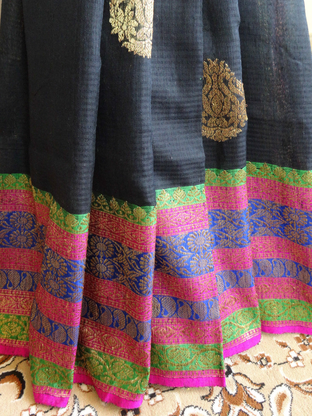 Banarasee Pure Handloom Dupion Silk Sari With Broad Border & Contrast Blouse-Black