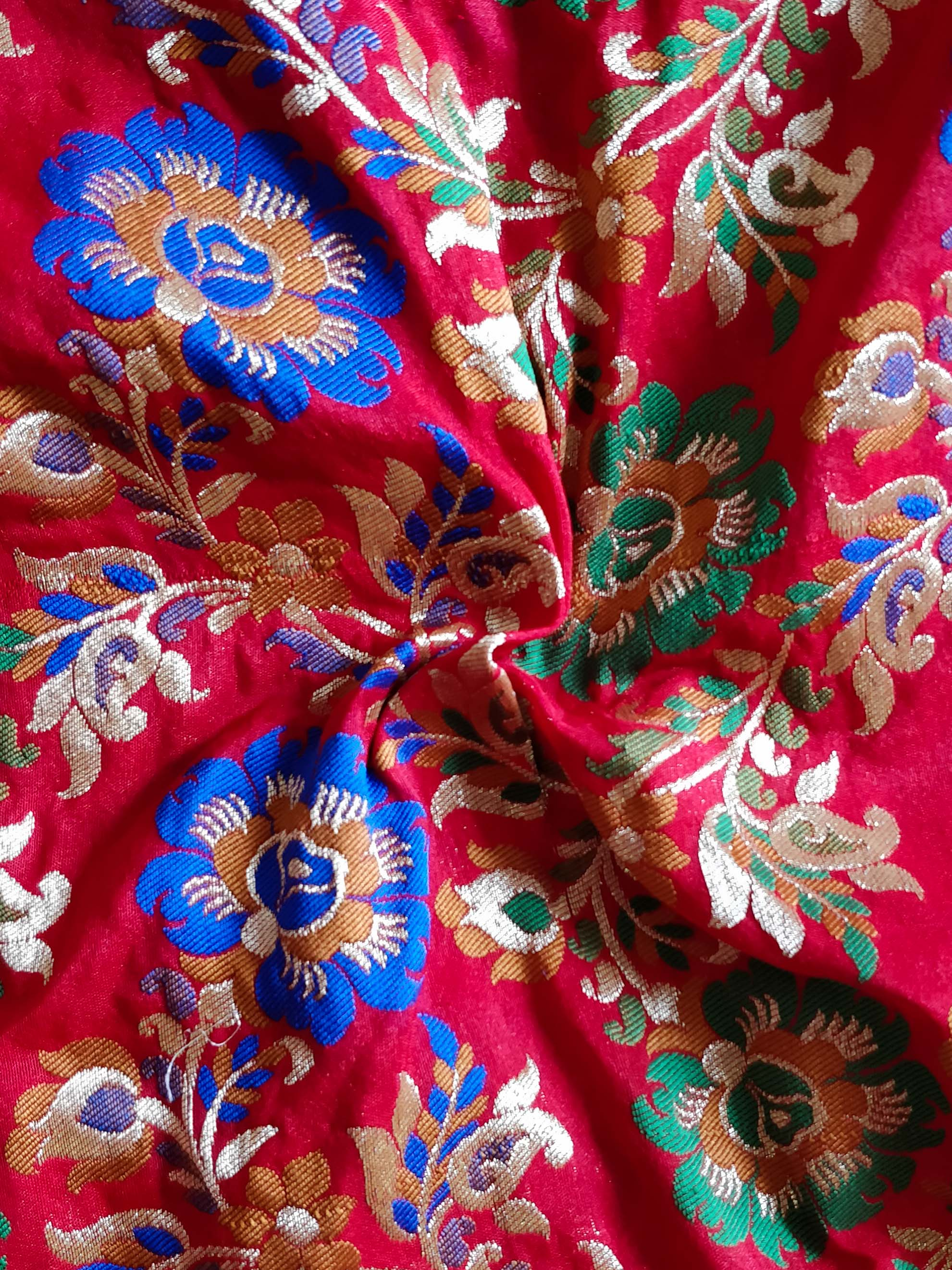 Banarasee Pure Kimkhwab Floral Jaal Semi Silk Fabric-Red