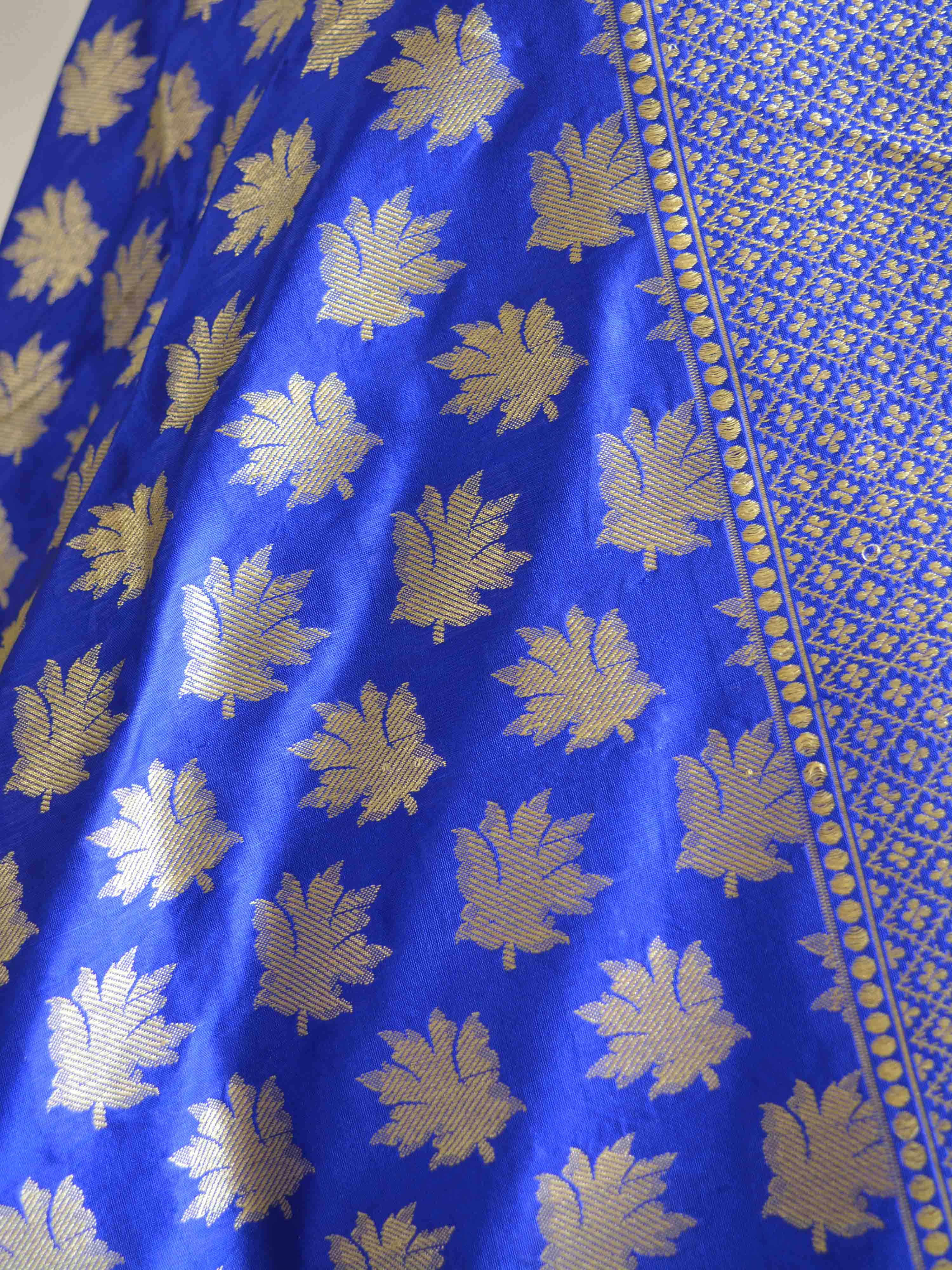 Banarasee Handwoven Pure Katan Silk Dupatta With Leaf Buti Design-Blue